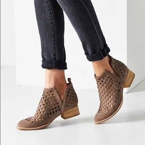 Jeffrey Campbell Taggart Ankle Booties 7.5